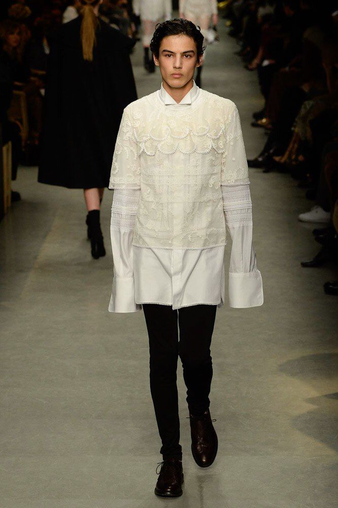 Burberry Spring 2017 Menswear Fashion Show   Pinterest 6470c3a916a0