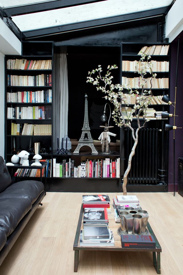 appartement mur noir d tail deco arbre au mileu de la pi ce inside closet juliette paris. Black Bedroom Furniture Sets. Home Design Ideas