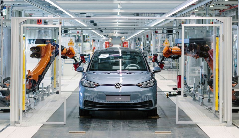 Produktionsstart For Volkswagens Nya Elbil Id 3 Systemskifte Till E Mobilitet Volkswagen Elbilar Audi