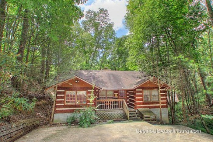 Rent Smoky Mountain High A Lovely Honeymoon Cabin Rental In Gatlinburg Tn Nestled High Atop Chalet Village And Within Honeymoon Cabin Cabin Gatlinburg Cabins