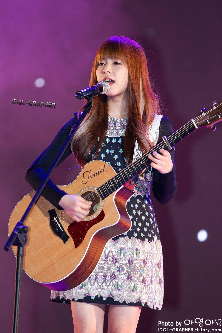 Juniel 3 Asian Cute Kpop Girls Guitar Girl