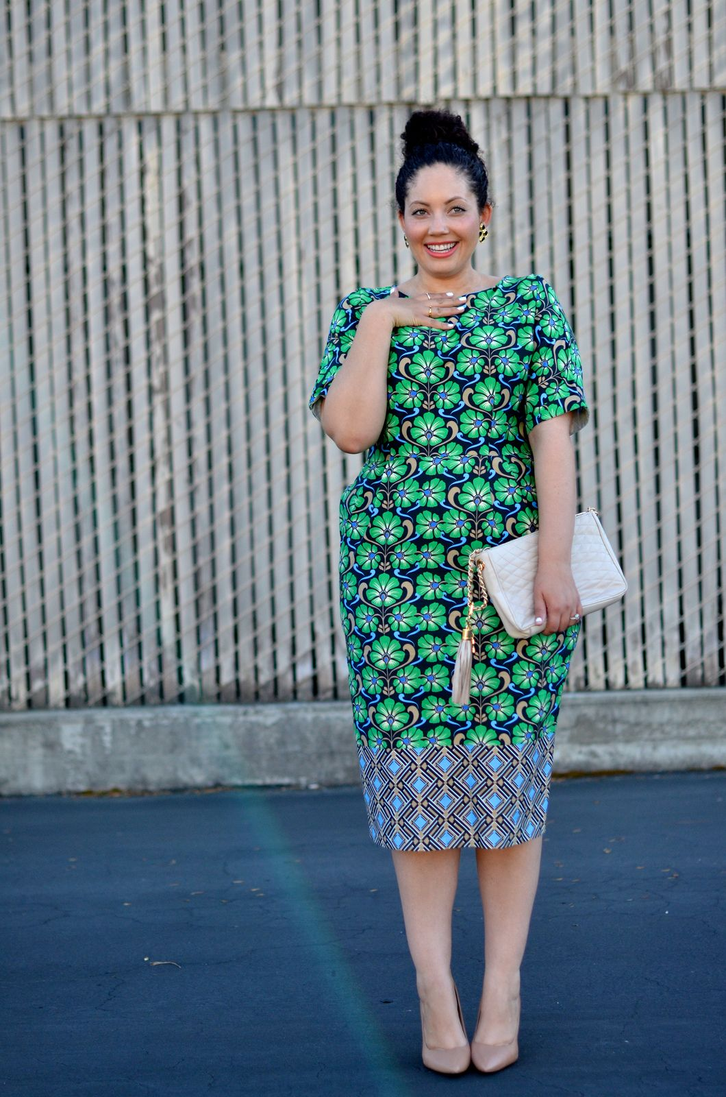 Girl With Curves: Retro
