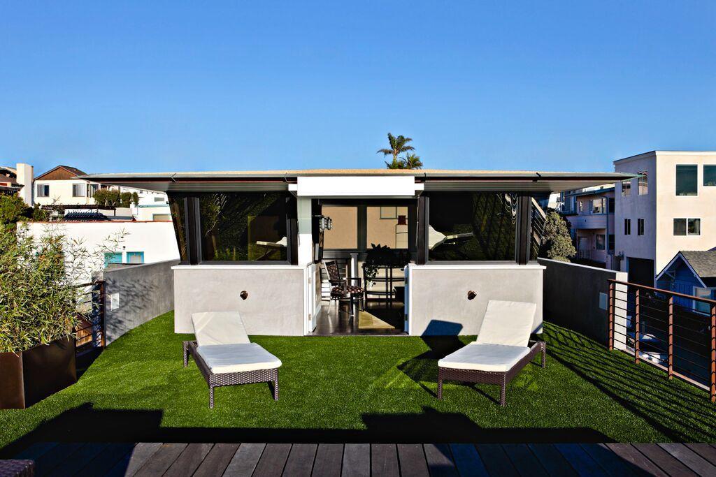 Steve Lazar lifeguard tower home, hermosa beach, california steve lazar design