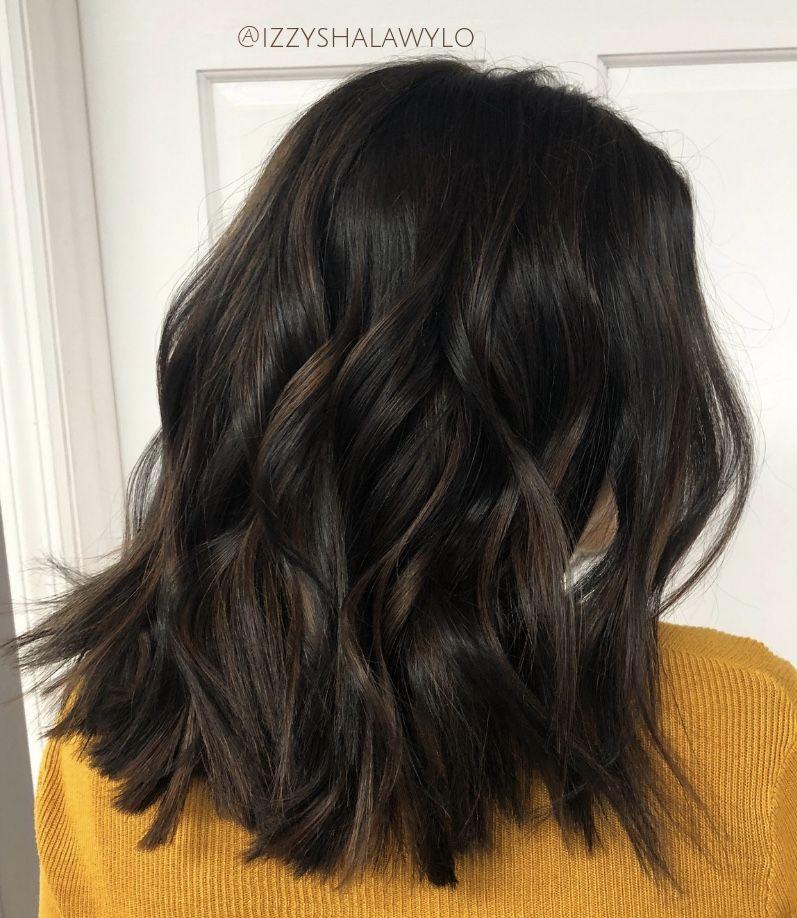 Short Natural Caramel Balyage Highlights Subtle Light Brown Highlights Dark Chocolat Short Dark Brown Hair Brown Hair Subtle Highlights Dark Brown Hair Color