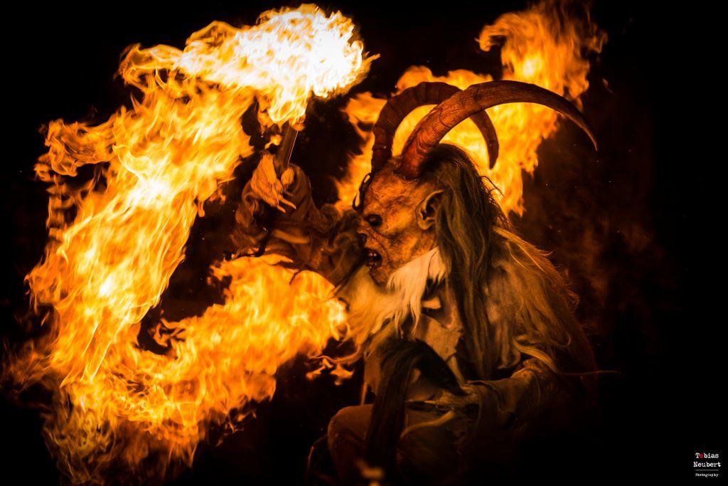 Fire devil Krampus Lauf Krampusmasken Holz schnitzer Kunst
