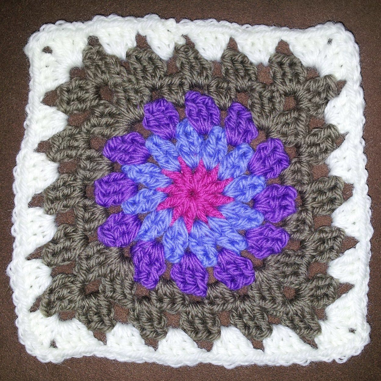 Image result for granny square circle pattern uk | Crafty ...