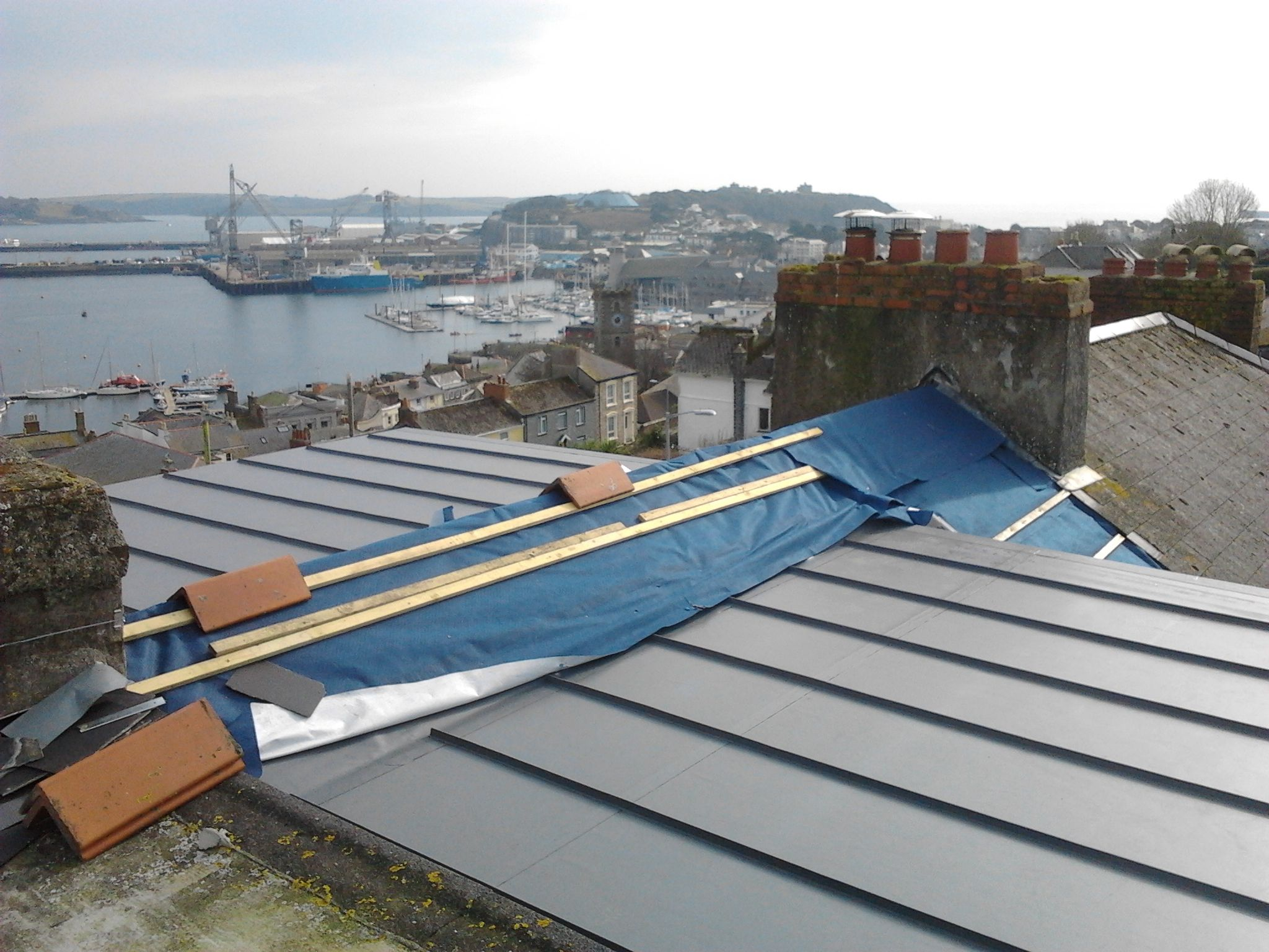 Single ply roofing membranes are ideal for cornish flat roofs also work well with curves and free form roofing shapes call pellow flat roofing on 01326