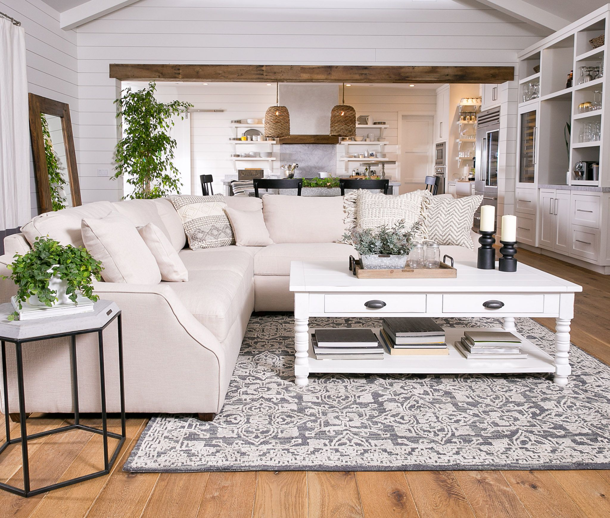 Magnolia Home Homestead 3 Piece Sectional By Joanna Gaines Has Lots Of Space To Stretch Out W Farm House Living Room Country Style Living Room Home Living Room