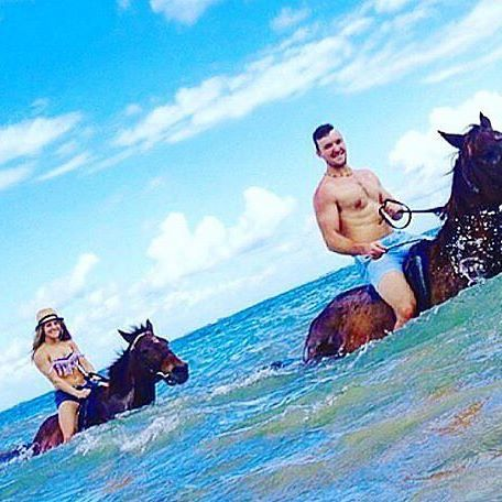 #adventure is so much more enjoyable when you do it with the people you love! Double tap if you want to horse back ride n' swim! Tour Name: Horseback Ride 'N' Swim Location: #OchoRios Jamaica #LiveFunner #IslandRoutes : @mckenziewrightt