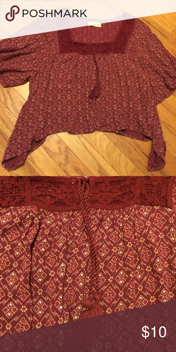 Hollister Boho crop top Hollister Boho crop top. Like new without tags Hollister Tops Crop Tops