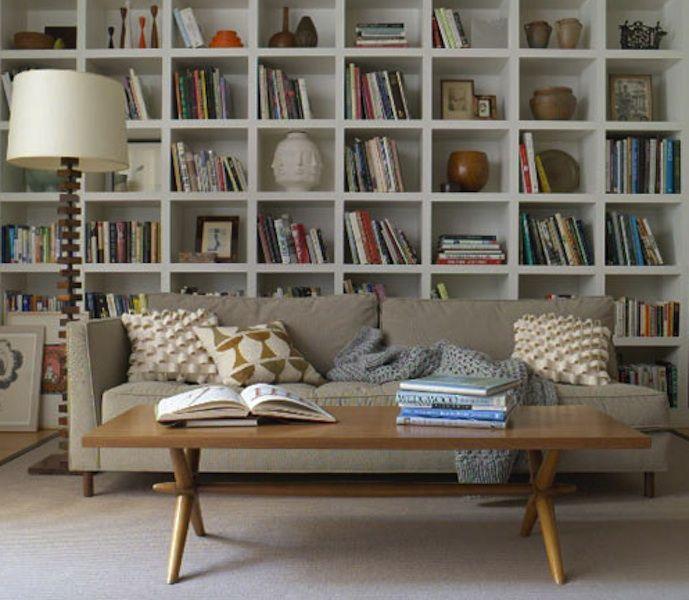 книжные шкафы и полки в интерьере фото