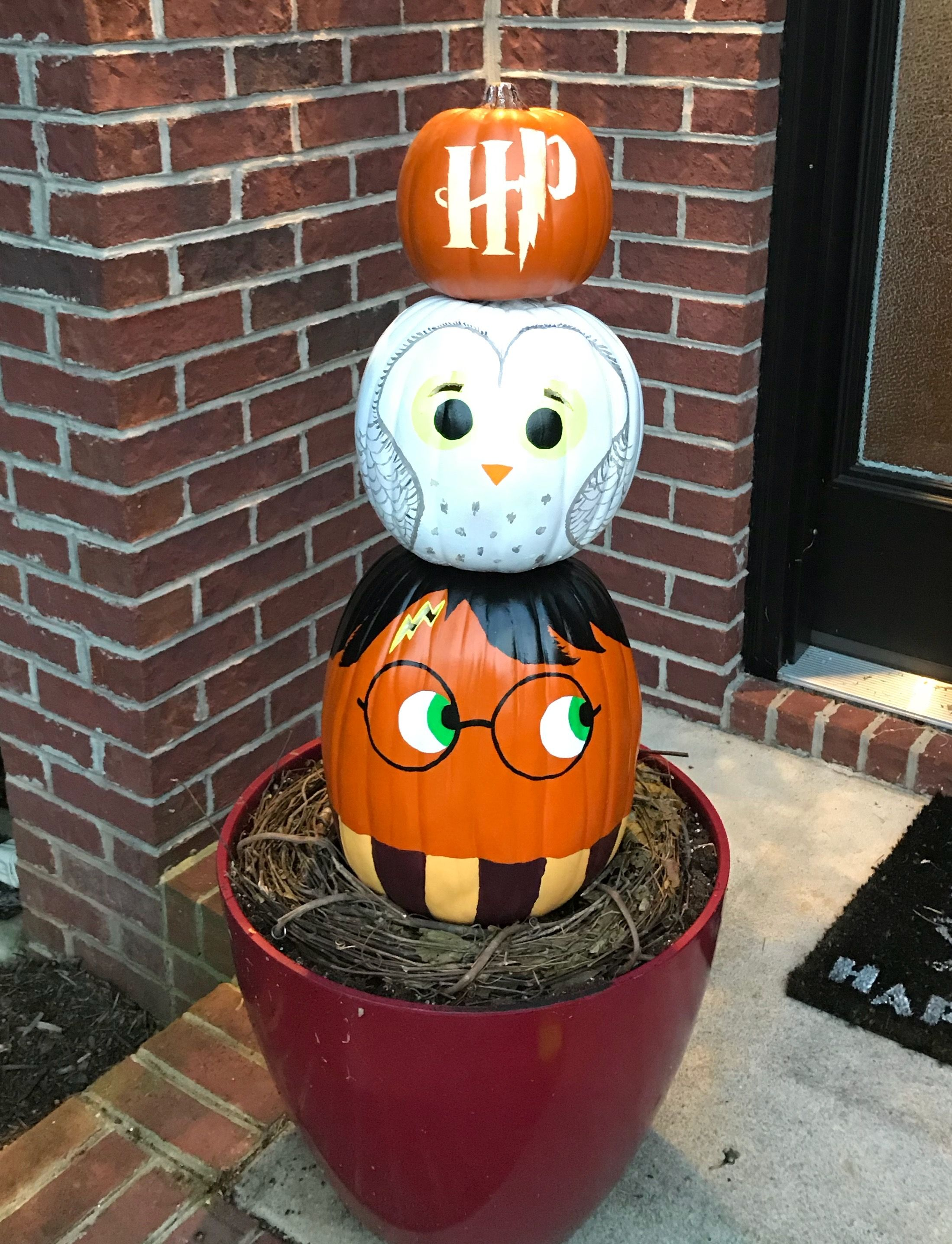 Harry Potter pumpkin stack with Hedwig and his symbol