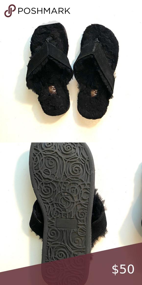 NWOT UGG Black Suede Flip Flops Size 7 Never been worn UGG flip flops!! The faux…