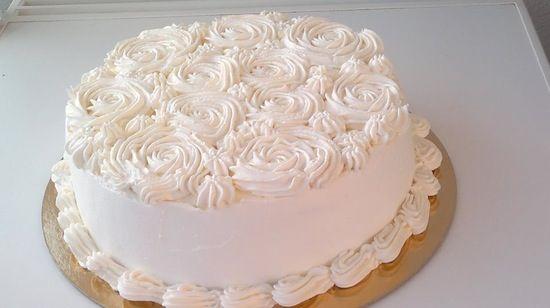 torte decorate con panna montata