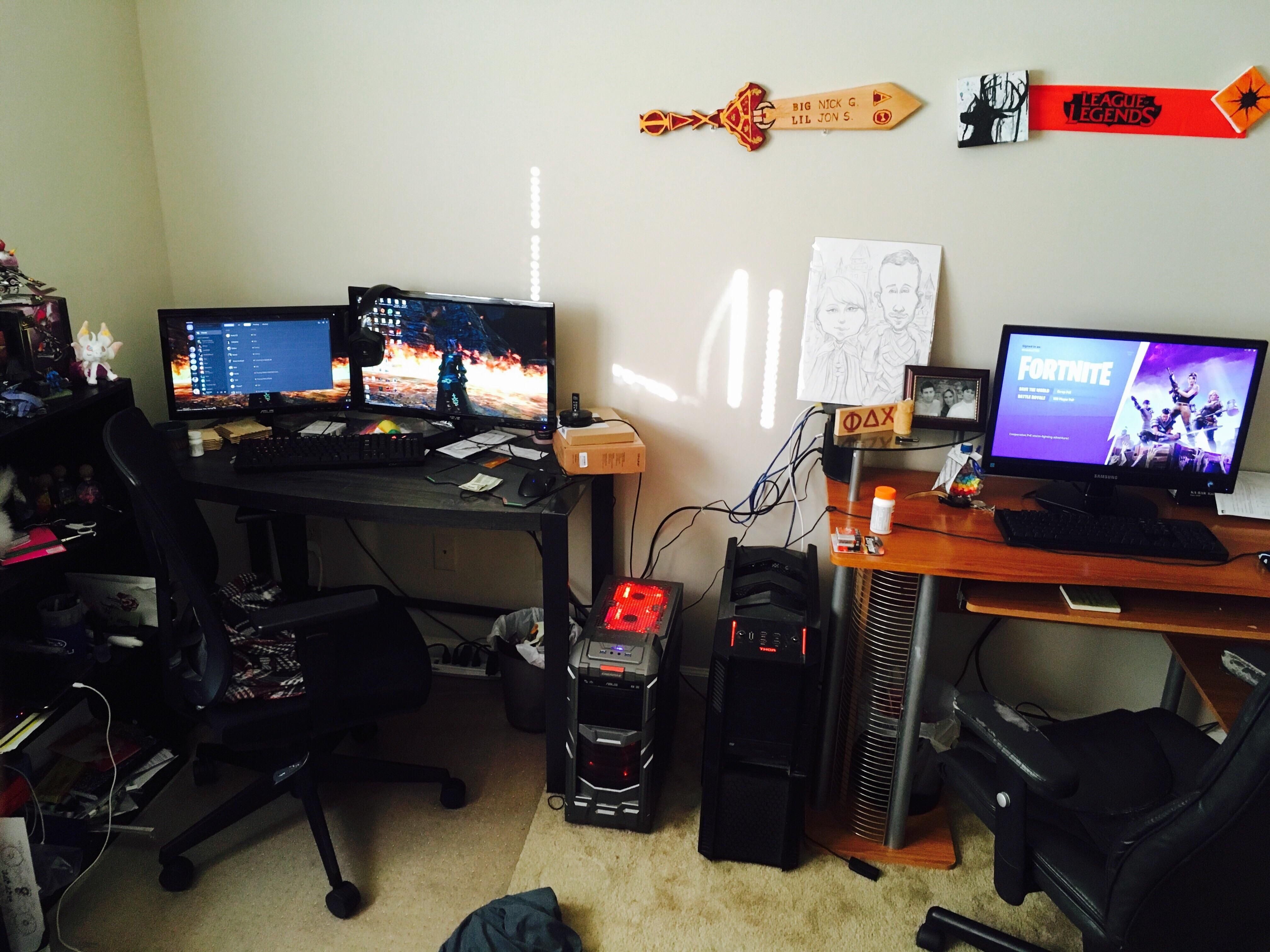 My Boyfriend Just Moved In And Set Up His Battlestation Next To Mine