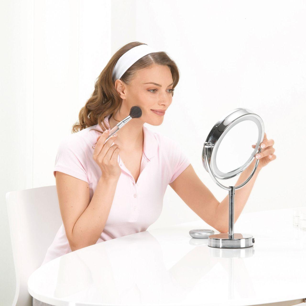 Kosmetikspiegel mit 5-fach-Vergrößerung