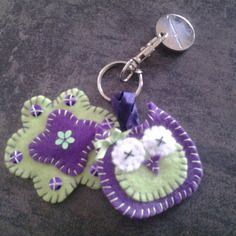 Petit Porte Clé Chouette Et Fleur En Feutrine MIÑATURAS EN FIELTRO - Porte clé chouette