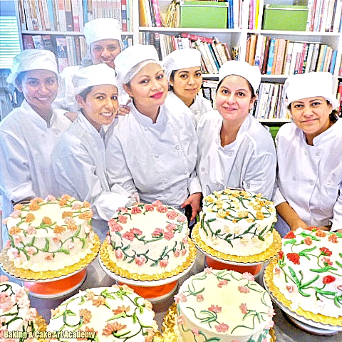 Color Theory And Flower Piping Baking Cakes Decoration Cake Decorating Classes Baking Classes