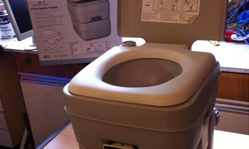 Portable Boat Toilet : Dometic toilet model 960 on photo below flushing portable toilet