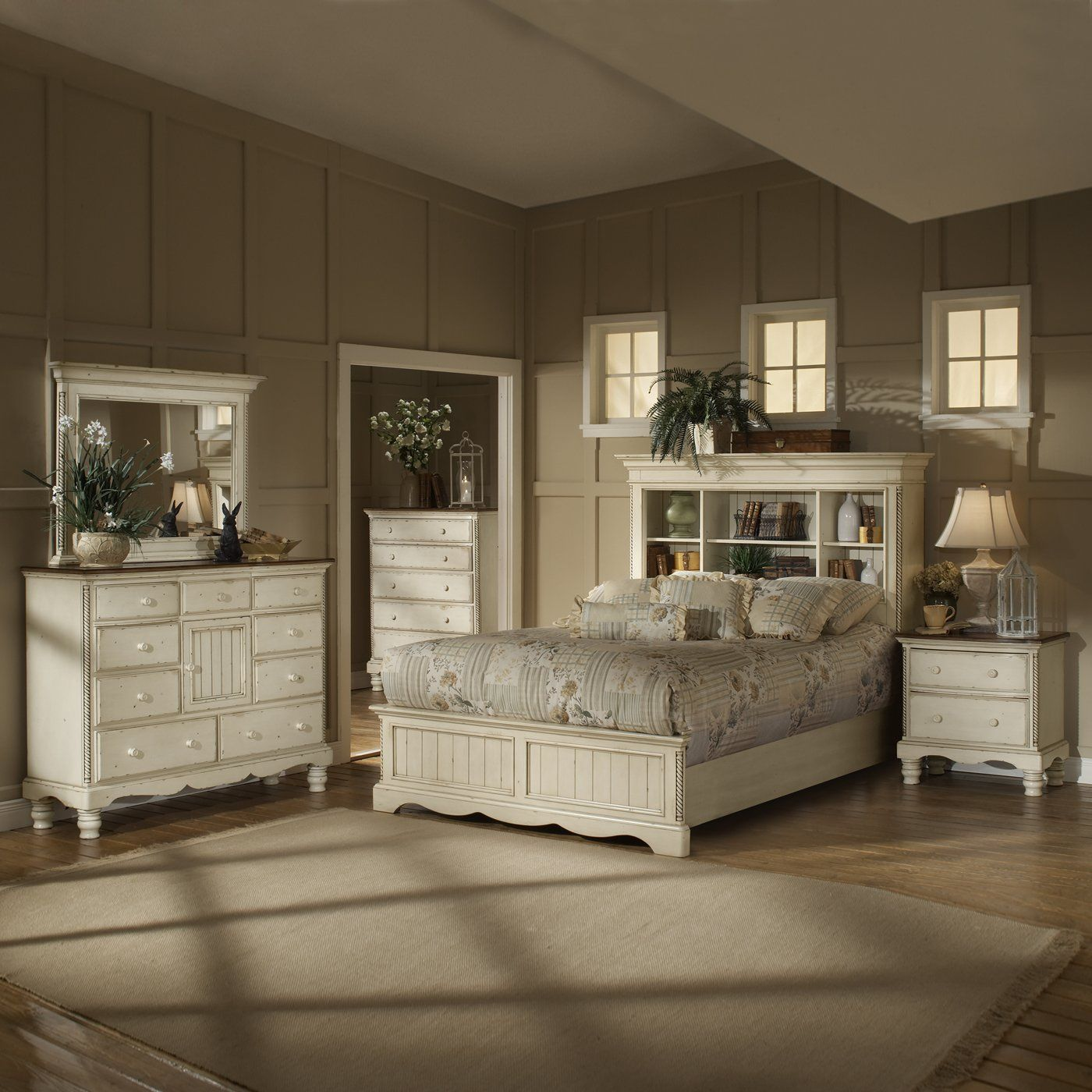 Hillsdale Furniture 1172 Wilshire Bookcase Headboard Bedroom Set  Antique  White   ATG Stores. Hillsdale Furniture 1172 Wilshire Bookcase Headboard Bedroom Set