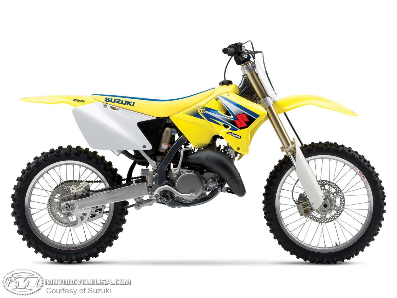 Suzuki 125 RM....When the country is your playground, this is your best  friend.