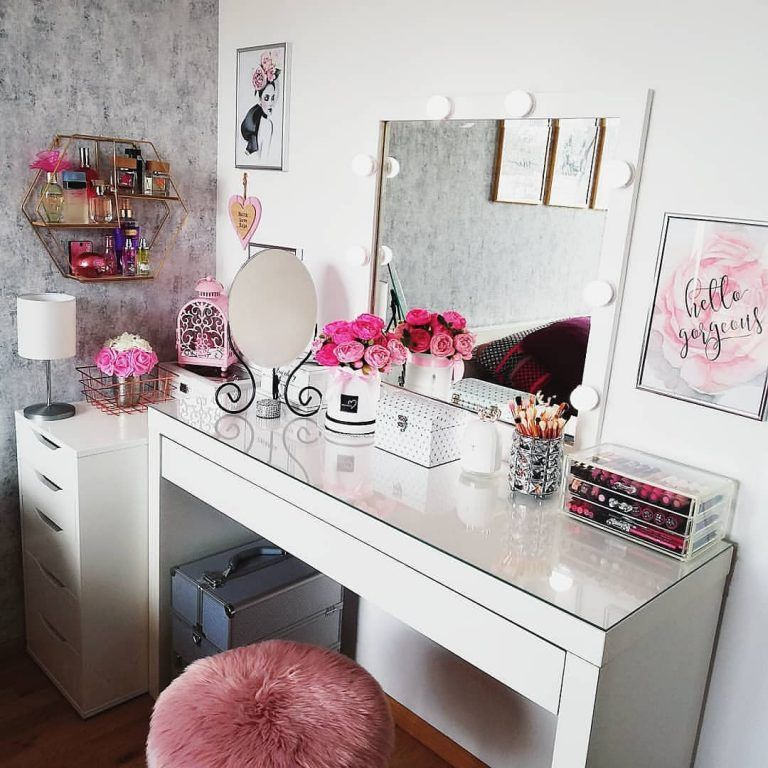30 Clever Ways To Use Small Space For Dressing Table With Mirror