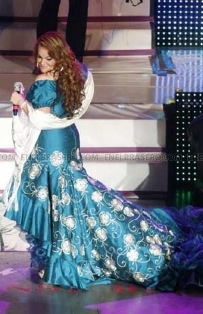 Jenni Rivera Le Gustaban Los Vestidos Bonitos Quince