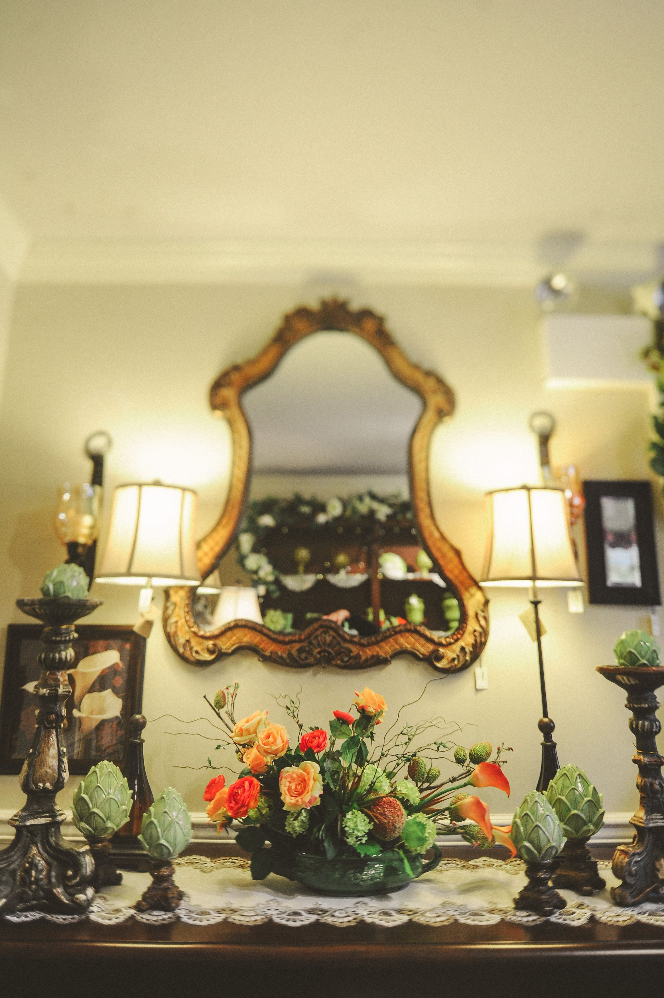 Large mirror, wall sconces, silk arrangement. | Home Decor At ...