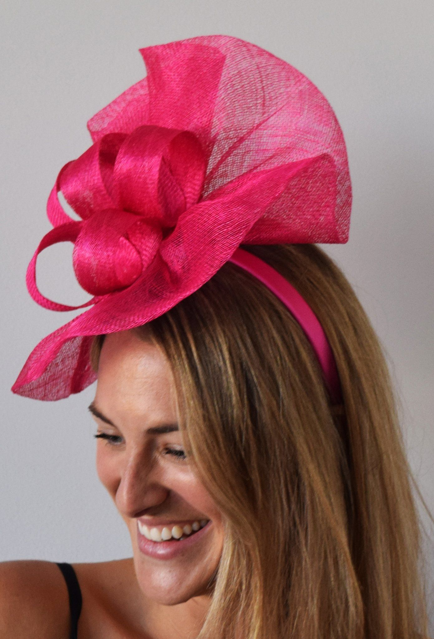 3b2ed9acaccc7 theheadwearboutique.com ( 61 USD)- Tia Big Fuchsia Pink Fascinator