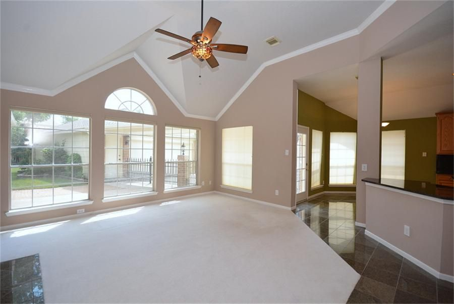 9407 Pearsall Dr Houston Tx 77064 Photo Family Room