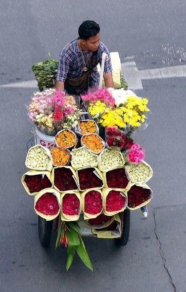 Flower Vender Thailand Flowers For Sale Flower Market Flower Delivery