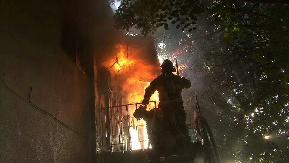 Fresno Eng3ine, First in on an arson fire in an apartment.