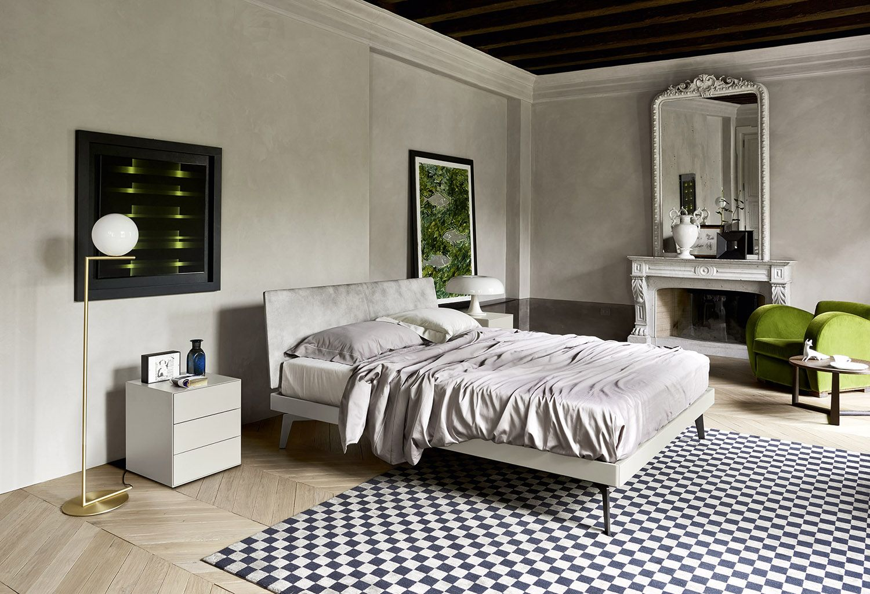 Das schlichte und moderne Designer Bett Nido von Novamobili aus ...