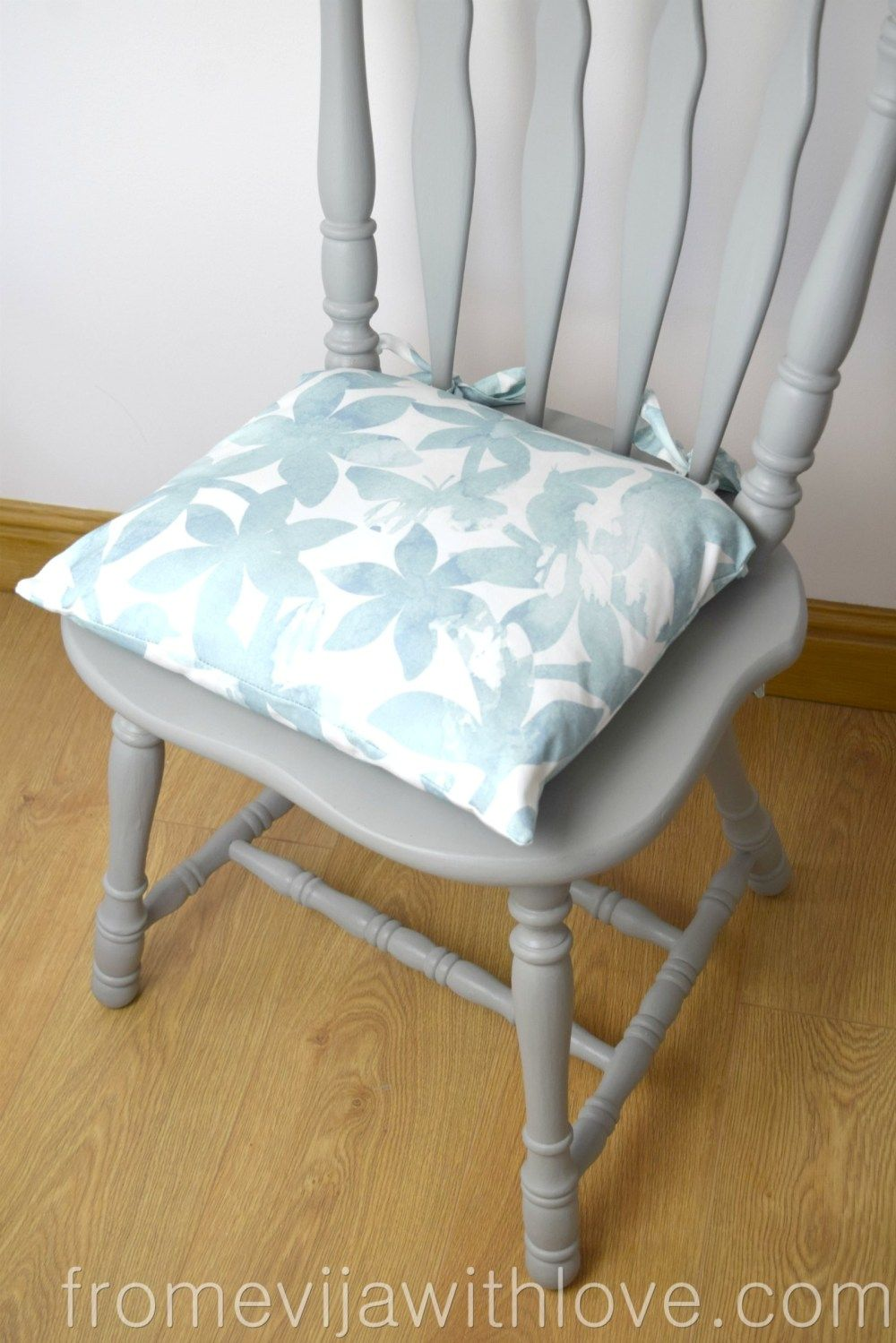 How To Make A Chair Cushion With Ties From Evija With Love Kitchen Chair Cushions Diy Chair Cushions Seat Cushions Diy