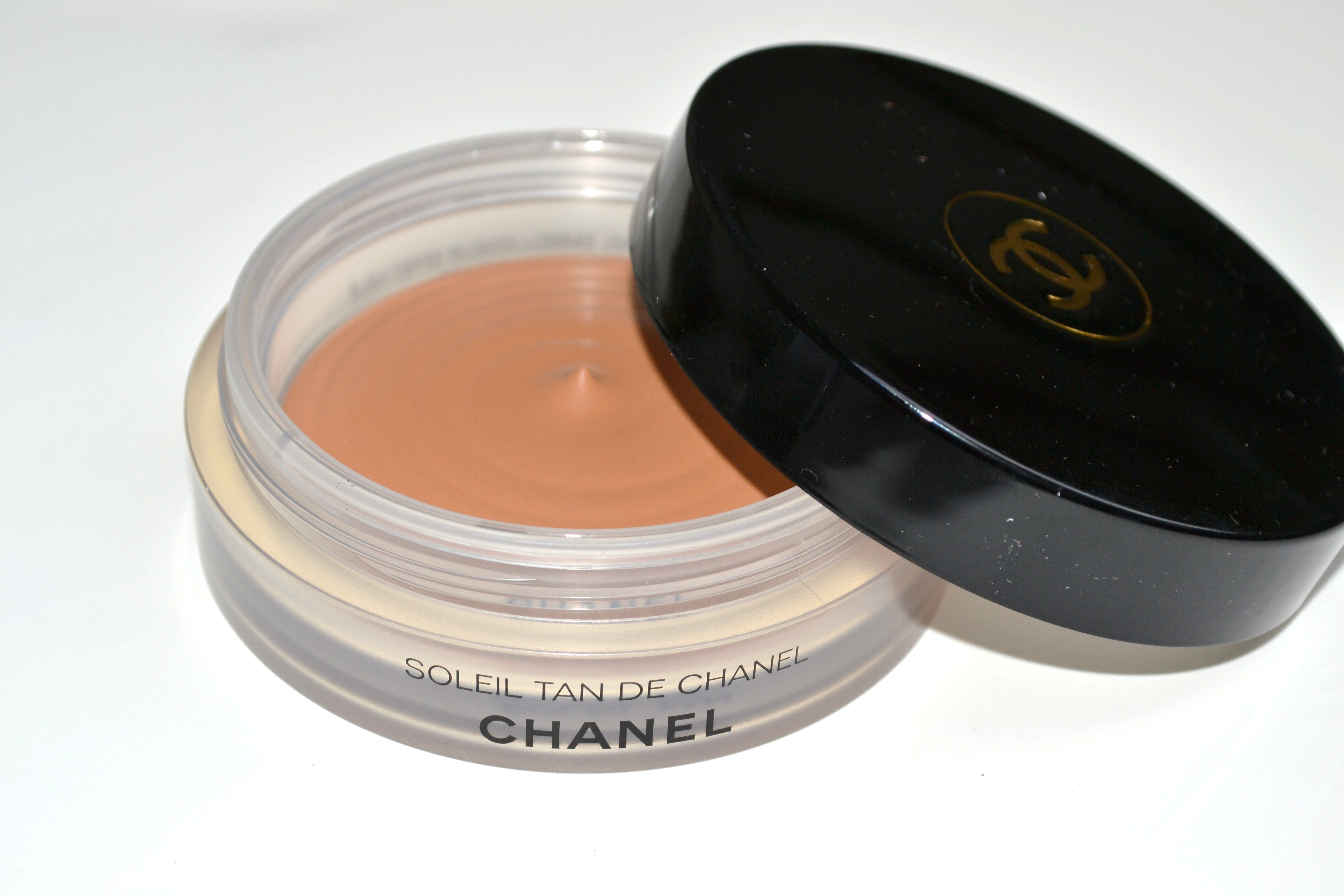 Soleil Tan De Chanel Bronzing Makeup Base Makeup base