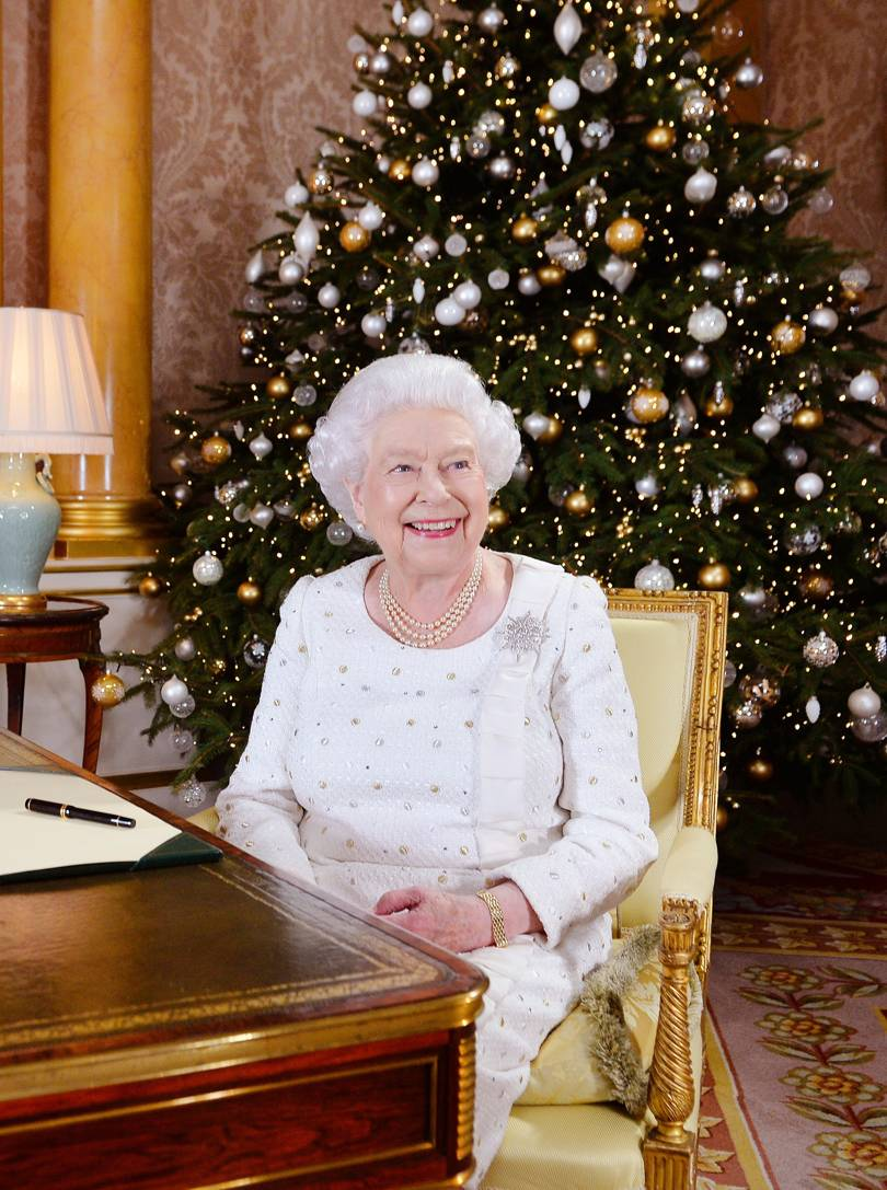 Inside the Queen's annual Christmas lunch at Buckingham ...
