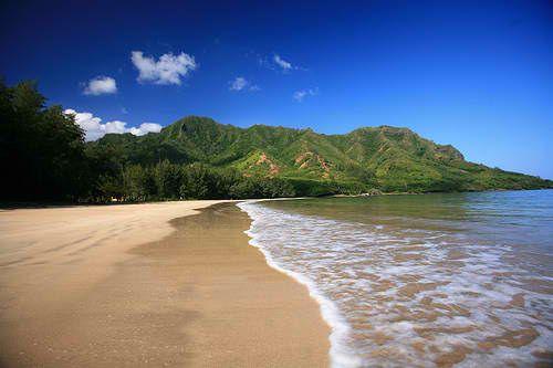 Kahana Bay Beach Park - Oahu, Hawaii