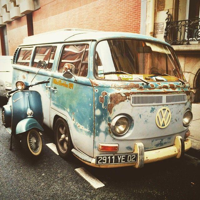 Vintage volkswagen combi baywindow vespa primavera for Garage volkswagen paris 15