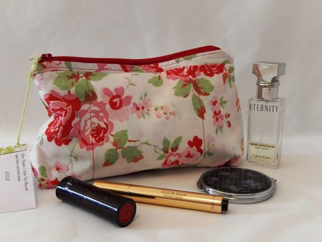 White Rose Make Up Bag with zipped closure and 3 exterior pockets £10.00