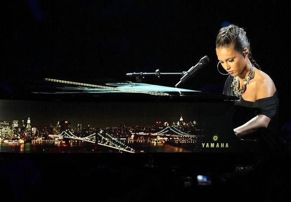 Alicia Keys In 2009 Mtv Video Music Awards Show Cool Alicia