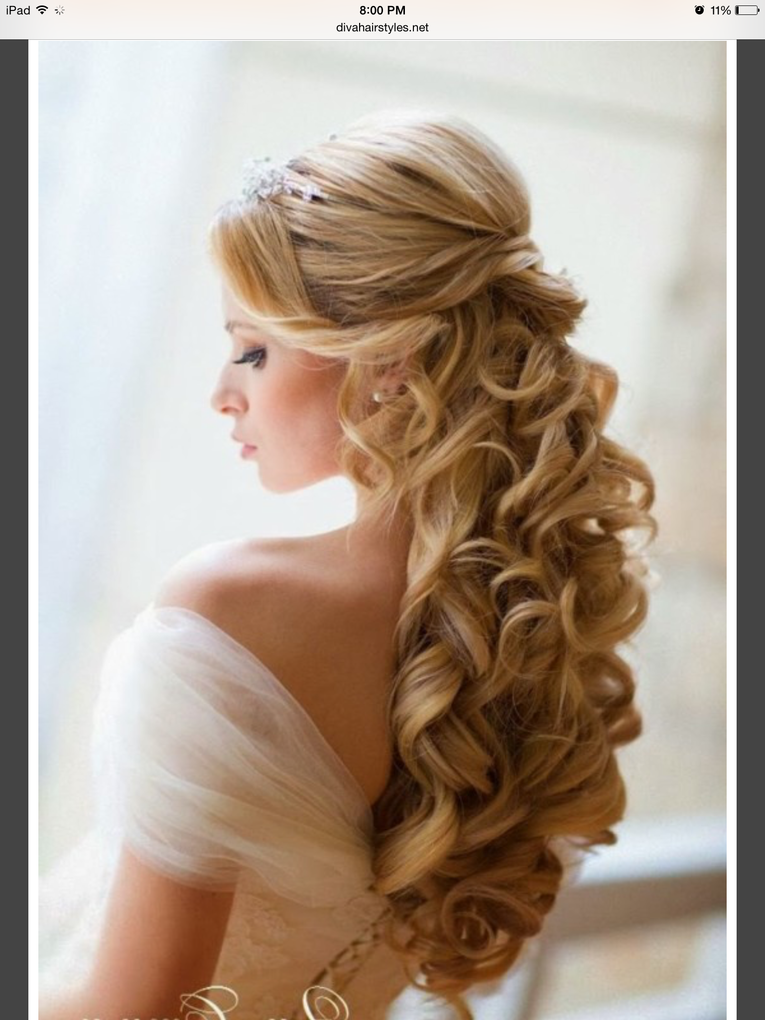 show me your half up/down hairstyles with headband and veil