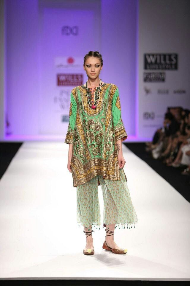 Anupama dayal lakme fashion week... | Desi style.... | Pinterest ...