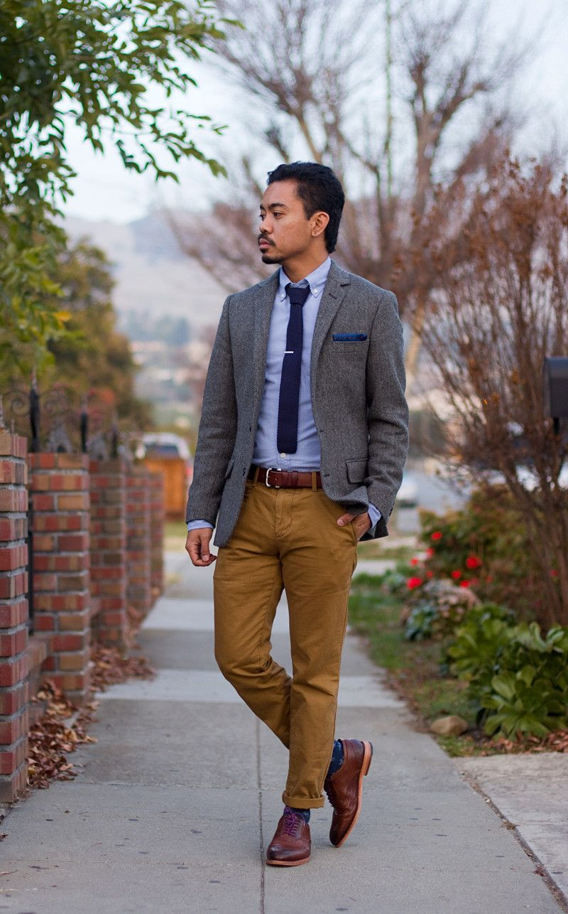 Knit tie, tweed gray blazer, blue OCBD with tan brogues and trousers