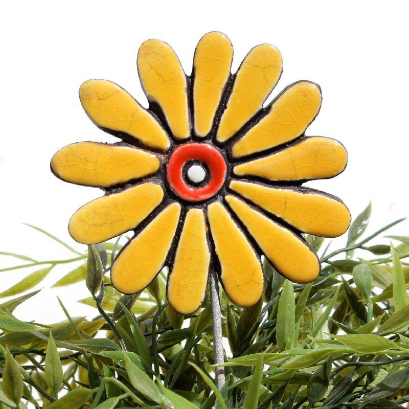 Ceramic flower garden art - daisy | Ceramic flowers, Garden art and ...