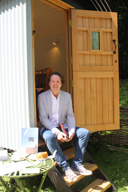 Diarmuid Gavin,garden designer,visits the Plankbridge ...