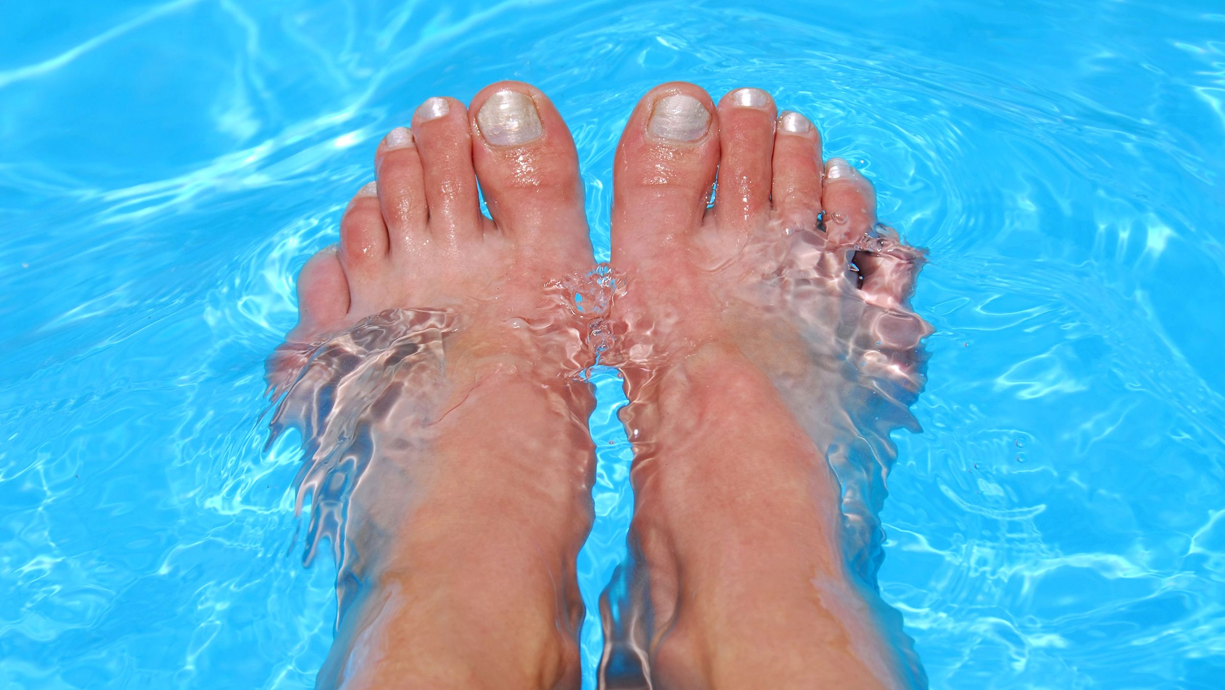 7 steps to chip-proofing your pedicure