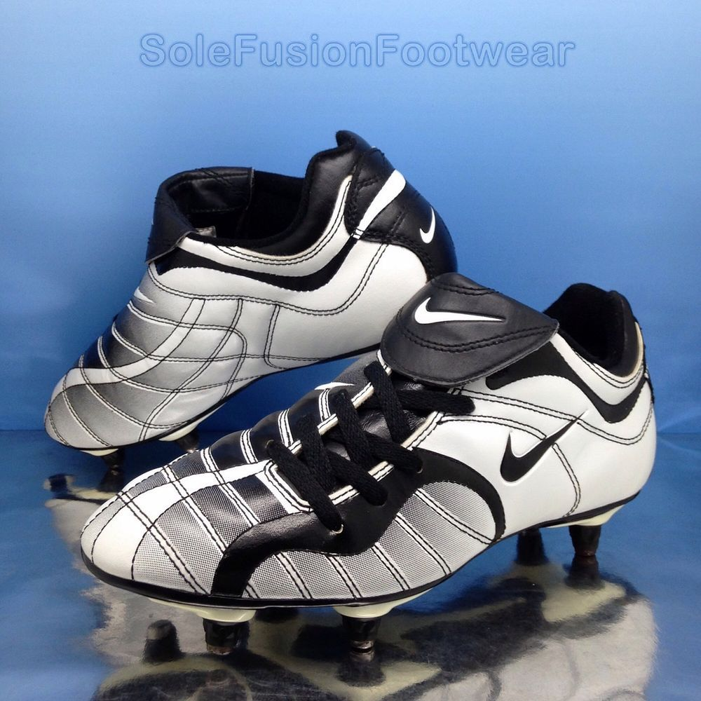 Nike Mens Vintage Football Boots White size 8 Mercurial