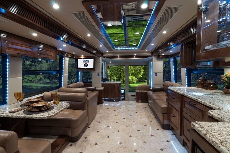 The outlaw coach h3 45 vip luxury motorhome oasis texas for Best motor coach reviews
