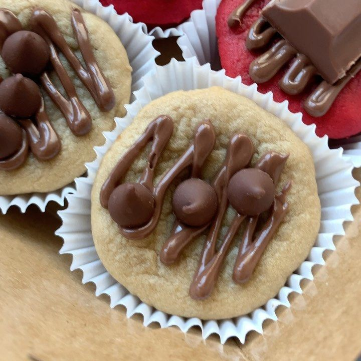 Pin By Toxbom On Cookies Food Chocolate Shavings Vietnamese Puff Pastry