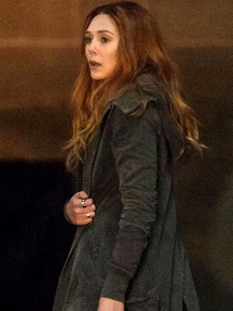 Shot Of Elizabeth Olsen On The Set Of Infinity Wars Elizabeth Olsen Elizabeth Olsen Film Scarlet Witch Marvel